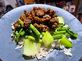 Chinese-Style Beef Bowl with Garlic-Ginger Rice and Green Veggies