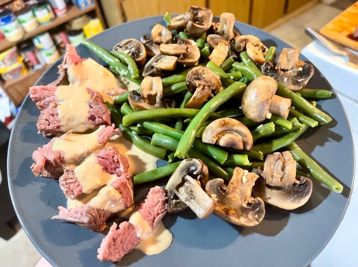 Beef Steaks and Worcestershire Cream with Mushrooms and Garlic Green Beans
